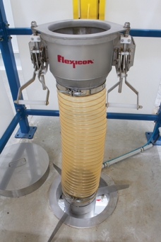 Bulk Bag Dischargers Double Productivity of Fruit and Spice Ingredients
